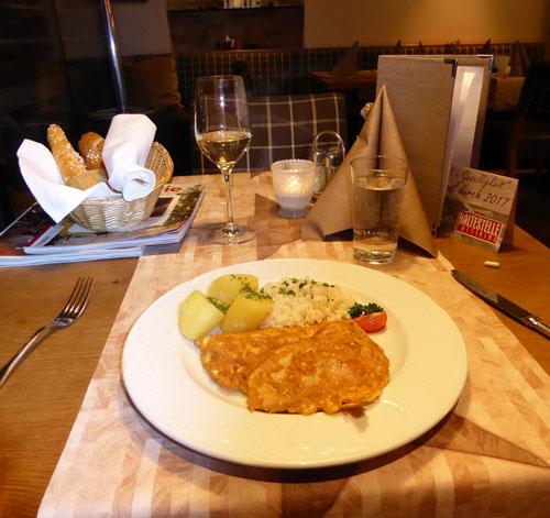 Oftering Haltestelle Gasthaus Restaurant